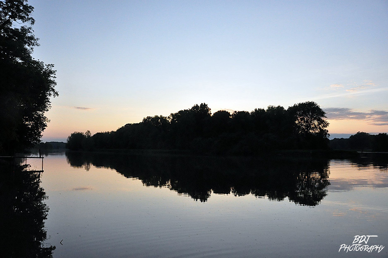 Sunset on the Seneca River in Cayuga County (photo)